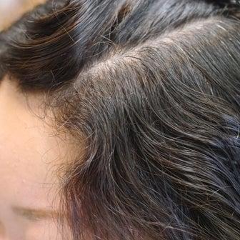 他のお店では「伸ばせなかったクセ毛」又は「2~3日で戻ってしまうクセ毛」をもったお客様(^^)