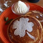 『石のカフェ』のパンケーキ