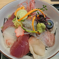 本日の海鮮丼 魚留@大洗 の記事に添付されている画像