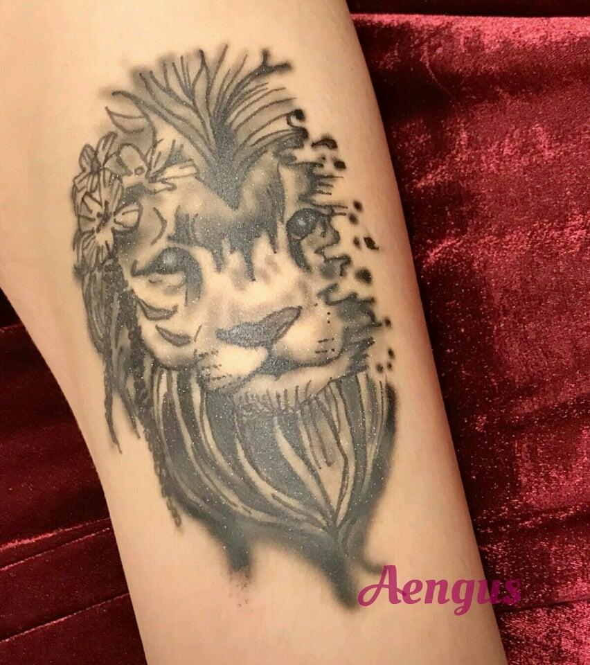 ライオンのファッションアートタトゥー