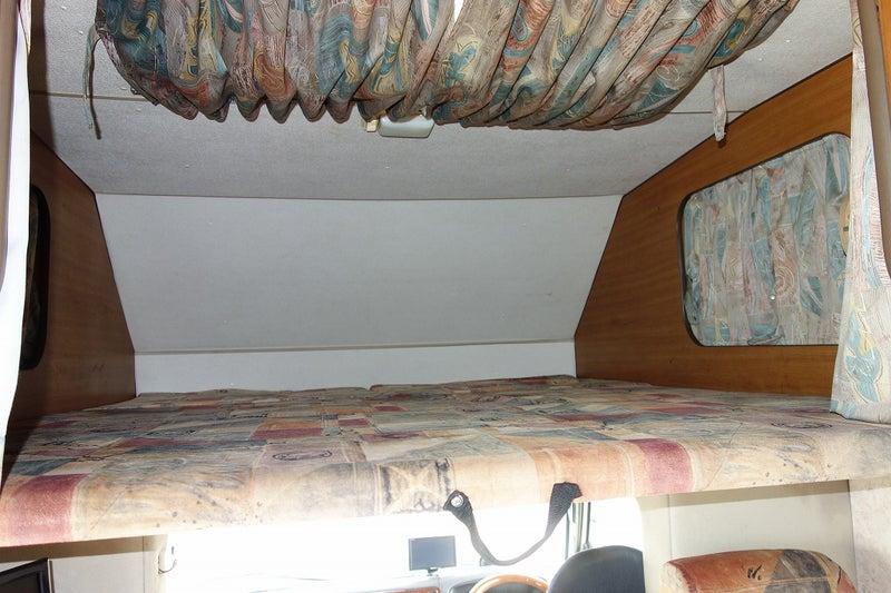 キャンピングカー チャンプ リミテッド バンクベッド
