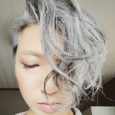 白髪染めない『みず』の髪型研究!の記事に添付されている画像