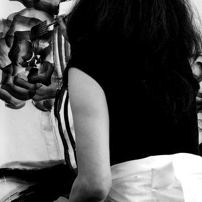 【女流作家による水墨画ライブペイントパフォーマンス】の記事に添付されている画像