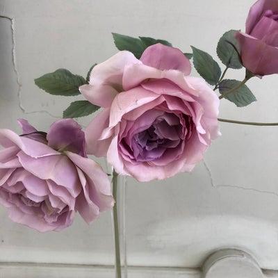 ピンクの薔薇とTORAYA CAFEあんスタンドの記事に添付されている画像