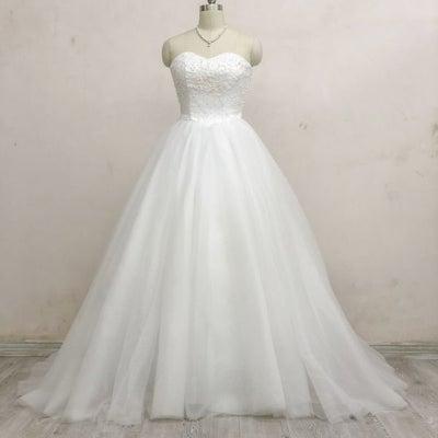 ウェディングドレス ふんわりチュール×ハートカットビスチェの記事に添付されている画像