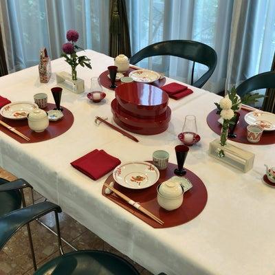 ★テーブルコーディネート 日本の寿司パーティーの記事に添付されている画像