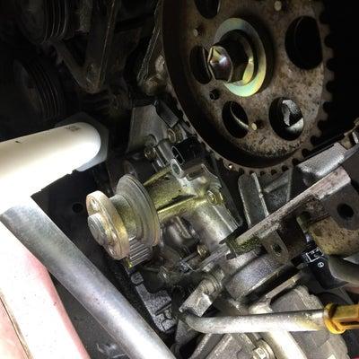 自動車 修理 タイミング ベルト クランクプーリー 破損 ダイハツの記事に添付されている画像