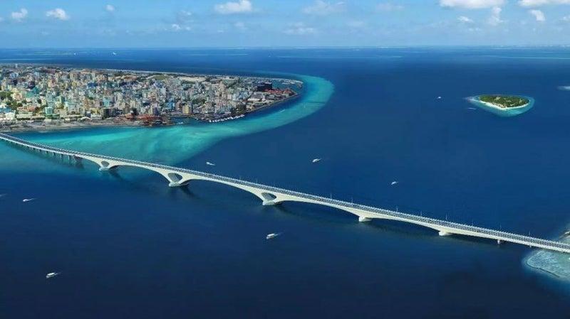 モルディブに大きな橋ができた?...
