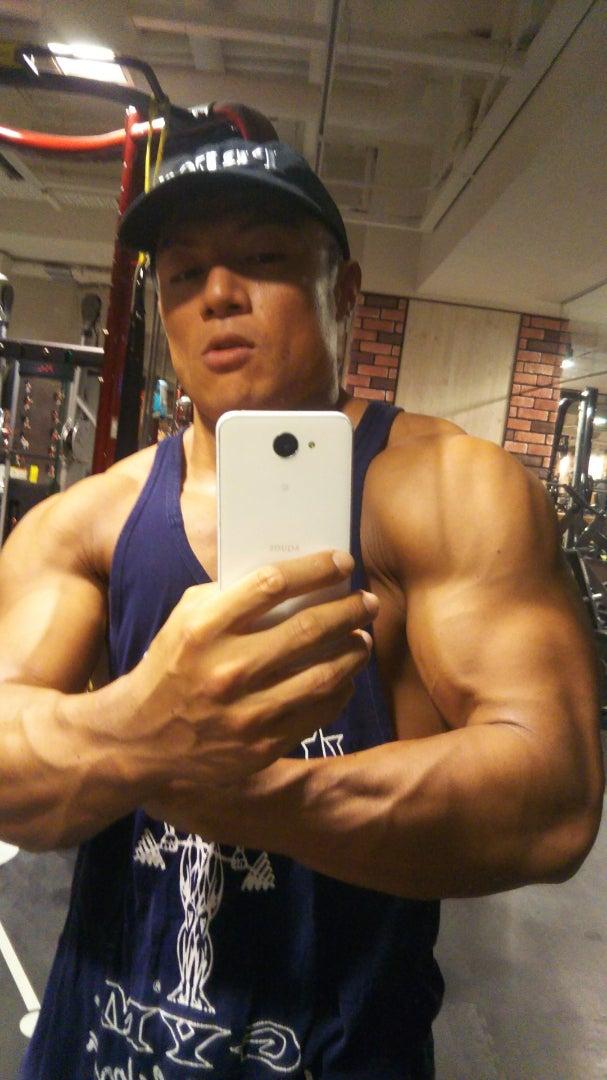 肩の筋肉の三角筋を効率よく効かせる方法 ...