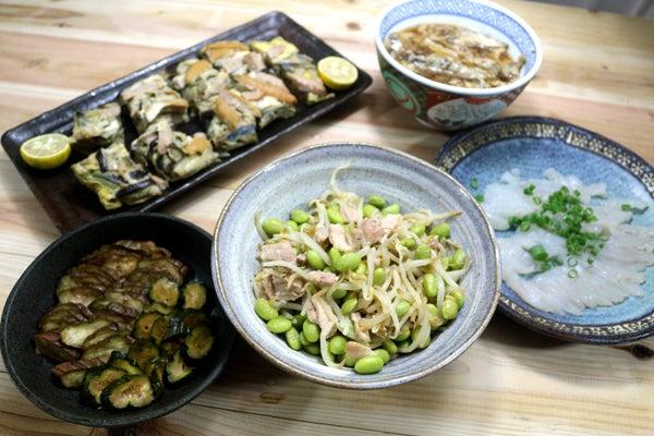 エダマメ剥き身とモヤシ・豚肉の炒めもの、八幡浜近海産マトウダイの刺し身ほか。