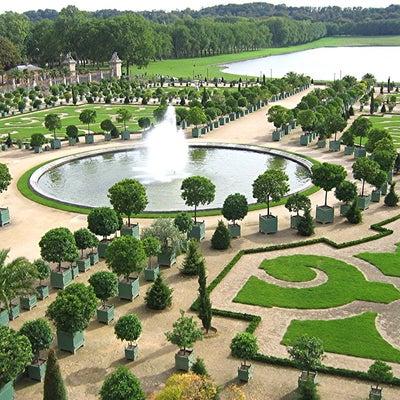 イギリス庭園に残るフランスの影響の記事に添付されている画像