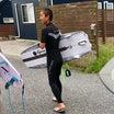 首ヘルニアの手術入院から4ヵ月が経つ長田店長は〜リッピングできるサーフィン回復して〜♪