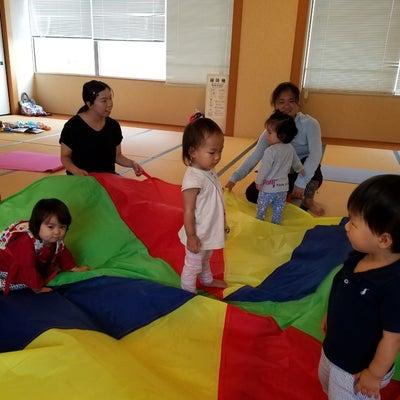 【あま市開催】2月25日(月) 3月8日(金) ママとベビーのヨガ開催のお知らせの記事に添付されている画像