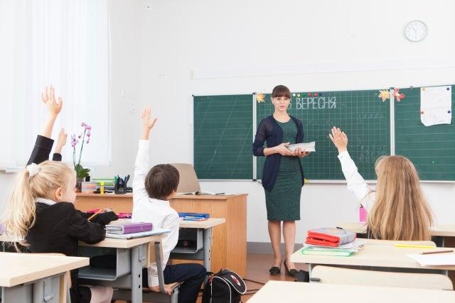 小学校から中学校へ移動になった先生が学校を「荒れ」に導いた ...