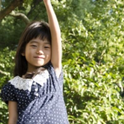 手を軽くあげるために【麻痺のリハビリワンポイント】の記事に添付されている画像