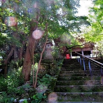 五台山竹林寺のレインボーオーブの記事に添付されている画像