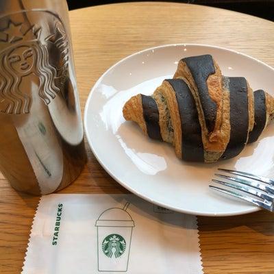 韓国スタバ*新作フード チョコレートローリングクロワッサンの記事に添付されている画像