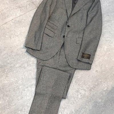 おすすめのスーツの記事に添付されている画像
