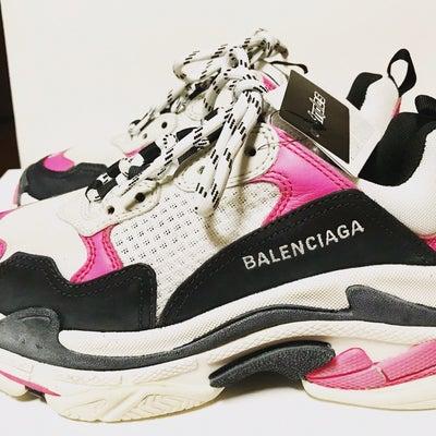 BALENCIAGA tripleS スニーカー ピンクの記事に添付されている画像