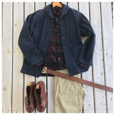 レトロな雰囲気のデニムジャケットのコーディネートの記事に添付されている画像