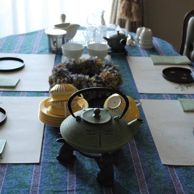 日本茶と中国茶と紅茶との記事に添付されている画像
