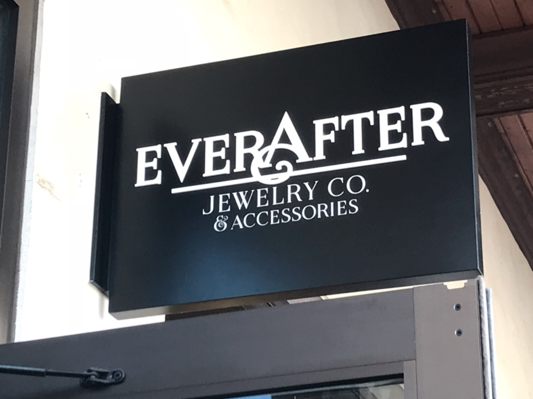c983020dd Ever After Jewelry Co. & Accessories ジュエリー編 | Floridaを散歩中
