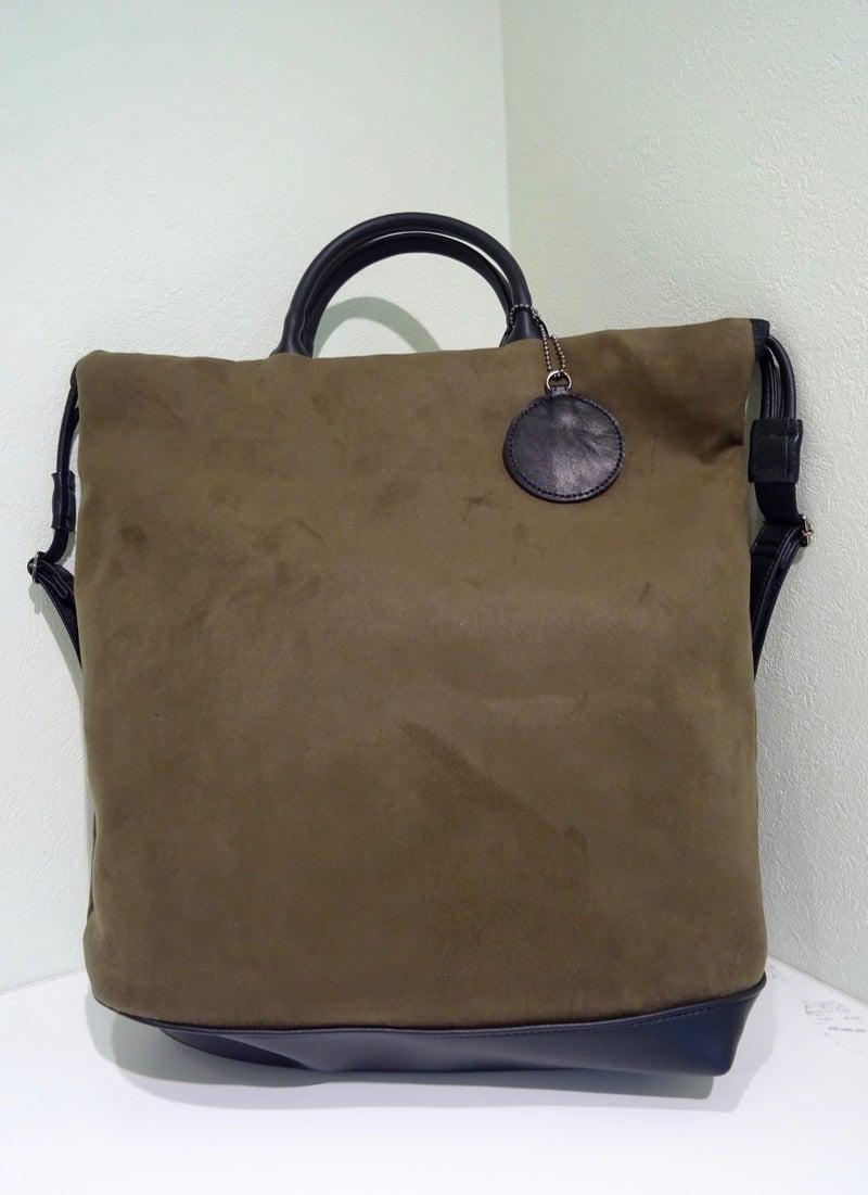 58338f2b8108 リュックにもなる人気のトートバッグ。一番人気のモカ色のみ追加されまし ...