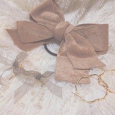 《小櫃奈々美》ヘアアクセも秋冬っぽく☆の記事に添付されている画像