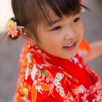 2018 七五三「ママが小さいときに着ていた着物なんだって」の記事に添付されている画像