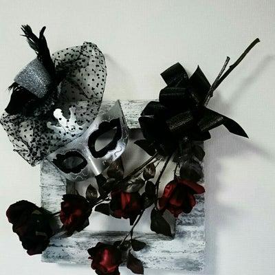 仮面舞踏会の記事に添付されている画像