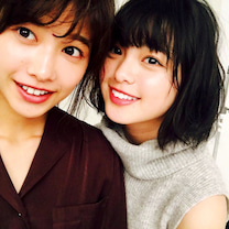 理佐×友梨奈 彼女は彼女のままでの記事に添付されている画像