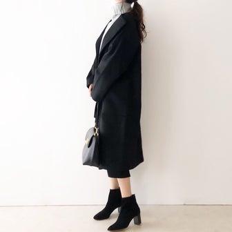 トレンドのニットにも相性いいUNIQLOスカートとゆるコート