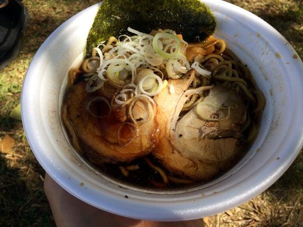 はじめての「富山ブラック」~「えひめラーメン博2018」にて麺家いろはさんの「黒醤油ラーメン」~