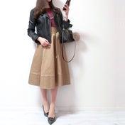 去年も愛用のラズベリーニット×キャメル美シルエットスカート♡