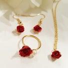 バラは王道の赤で作る 浅草橋ロザフィレッスン&パピエルレッスンの記事より