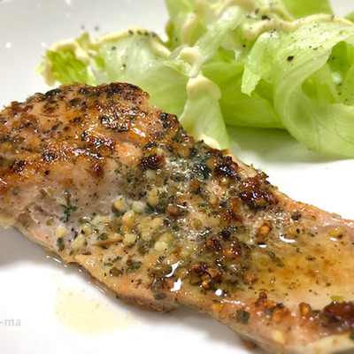 「鮭のガーリックバターソテー」と「手羽元の生姜煮」の記事に添付されている画像