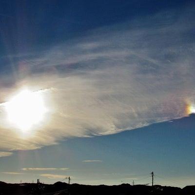 幸運を呼ぶ光学現象「幻日」「タンジェントアーク」「環天頂アーク」の記事に添付されている画像