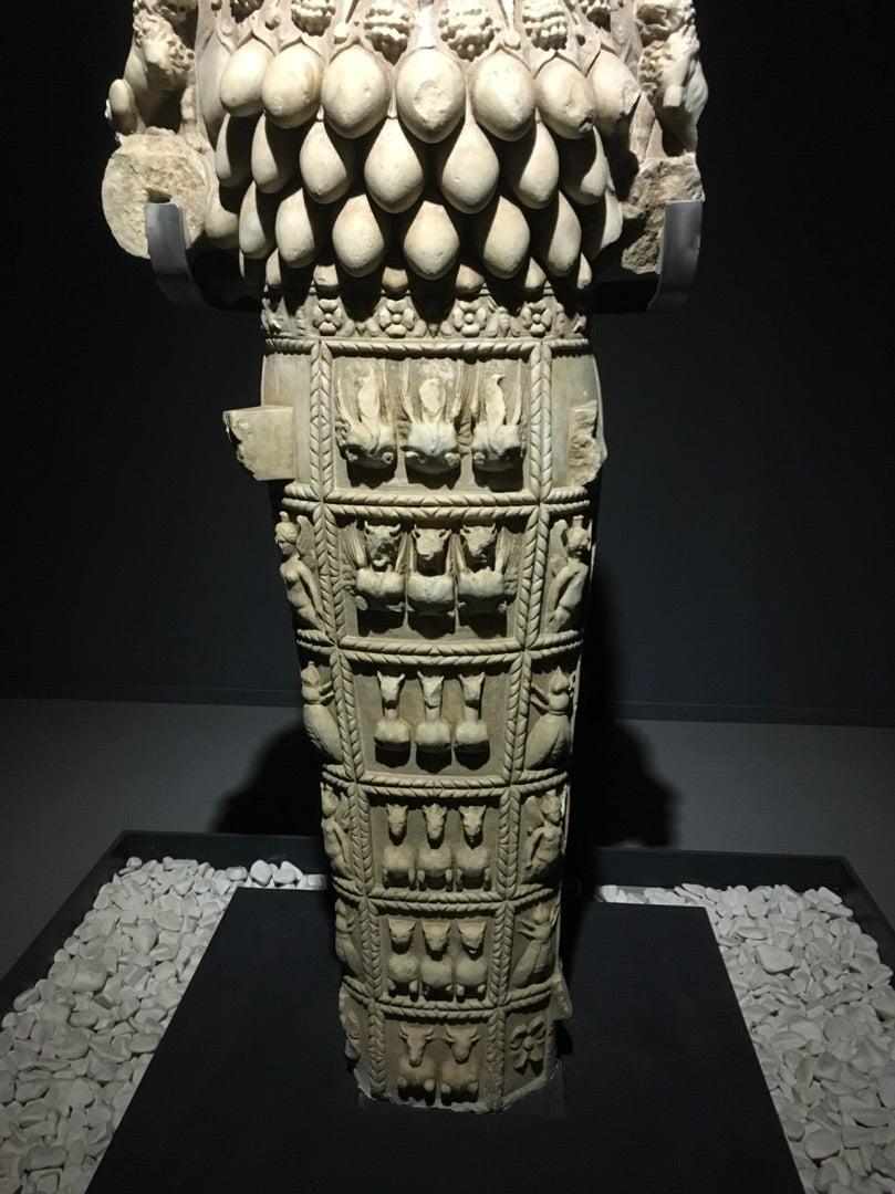 美しすぎるアルテミス像~ エフェソスの考古学博物館 アルテミス神殿の跡地女王蜂のペンダント