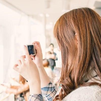 白石麻衣写真集、異常事態レベルの売り上げを支える女性ファン!握手会では女子連番もの記事に添付されている画像
