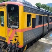 台湾・旧型客車と木造…