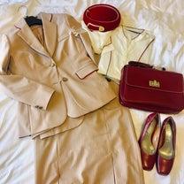 エミレーツの制服についての記事に添付されている画像