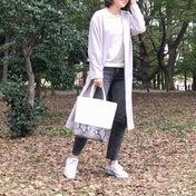 GAPデニムの公園コーデと、新鮮斬新なピアスの重ねづけ!