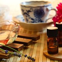 【飲めるアロマ!?】「精油の摂取」を勧めるマルチ商法が流行中!精油摂取による意外の記事に添付されている画像