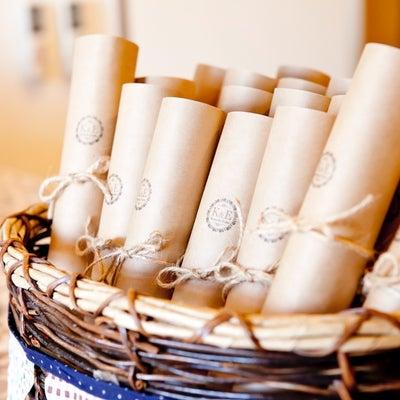【先輩花嫁さんのお悩み相談】結婚式で使うペーパーアイテムの種類!の記事に添付されている画像