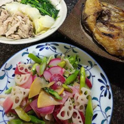 今日の夕ごはん♪ホットサラダ&ブリかま塩焼き&豚白菜ほうれん草炊き合わせの記事に添付されている画像