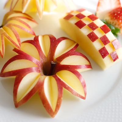 映える!りんごの飾り切り《切り方》フルーツカッティングの記事に添付されている画像