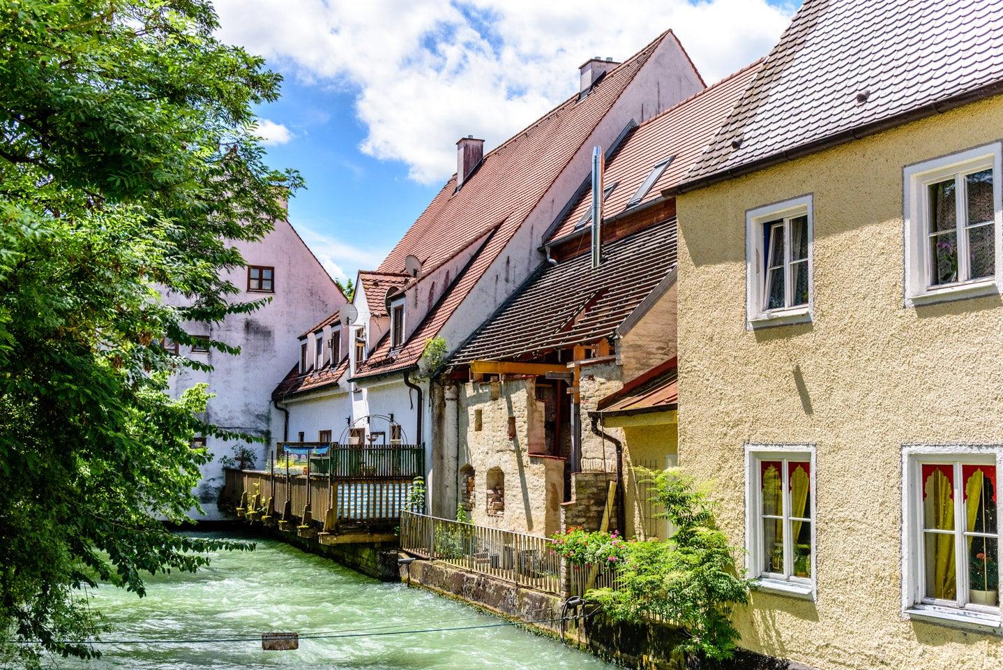 URでアパート契約 | 雨にも負けず | ドイツ留学専門店 Pfadfinder24