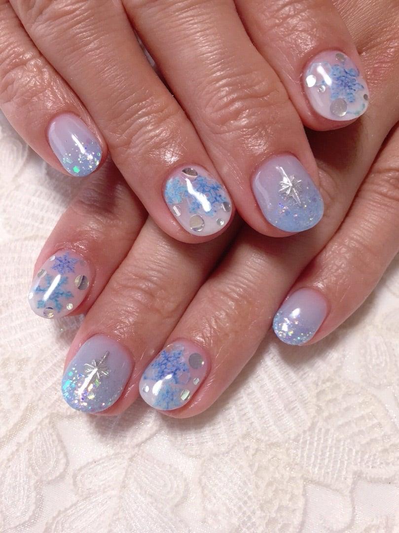 白×水色グラデ&雪の結晶☆冬ネイル