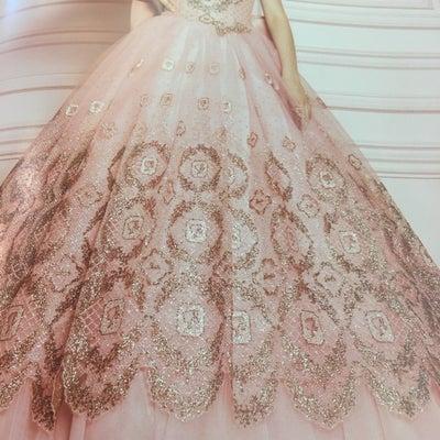 2019年新作ドレスのご紹介ですの記事に添付されている画像