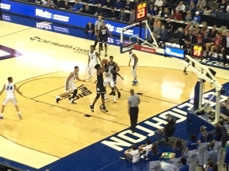 バスケ ネブラスカ 大学